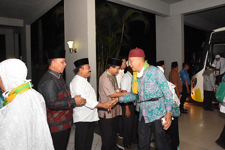 Diskominfotik - 231 JH Asal Kabupaten Bengkalis Tiba di Batam Dalam Keadaan Sehat