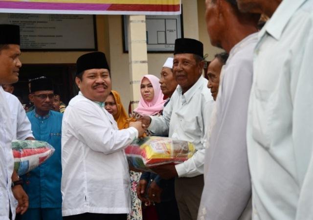 Diskominfotik - Bupati Bengkalis Resmikan Pasar Murah di Kecamatan Rupat