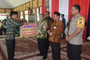 Retno Pamungkas Terpilih Jadi Kepsek Daerah Khusus Berdedikasi Tahun 2019