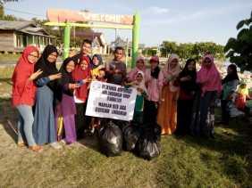 FANKALIS Gotong Royong Bersihkan Taman Cik Mas Ayu