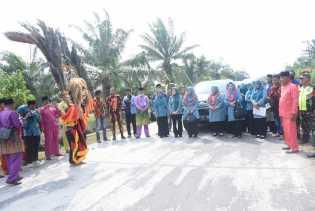 Kasmarni Hadiri Pembukaan Penilaian Lomba Peringatan HKG PKK Tingkat Provinsi Riau