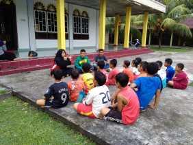 FAN KEBTAN Sosialisasi Bahaya dan Cara Hindari Diabetes Pada Anak Desa Lapis