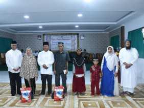 STIE Syariah Bengkalis Bagikan Santunan untuk Anak Yatim Piatu dan Kaum Dhuafa