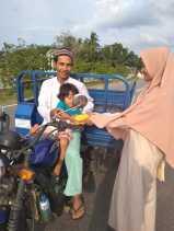 Ngabuburit FANBALAK Turun Kejalan Bagi-bagi Takjil Gratis