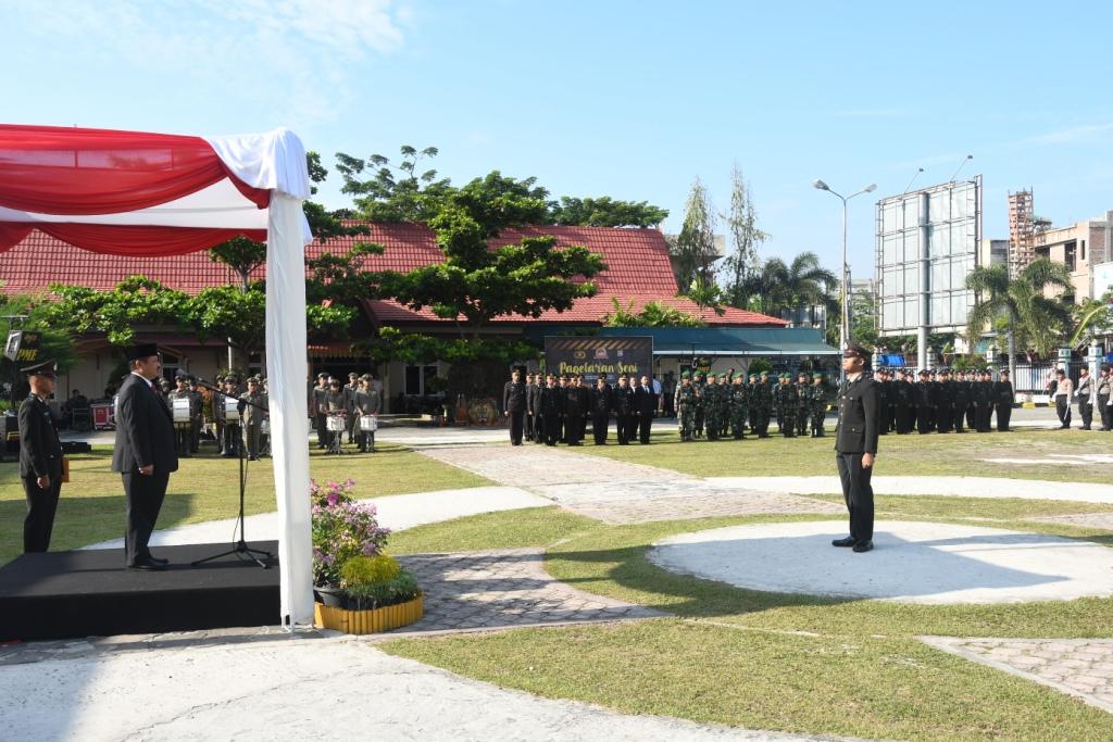 Bupati Bengkalis Jadi Inspektur Upacara HUT Bhayangkara Ke-73
