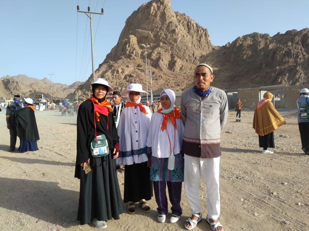 Manfaatkan Waktu, JCH Kabupaten Bengkalis Ziarahi Masjid Quba dan Jabal Magnet