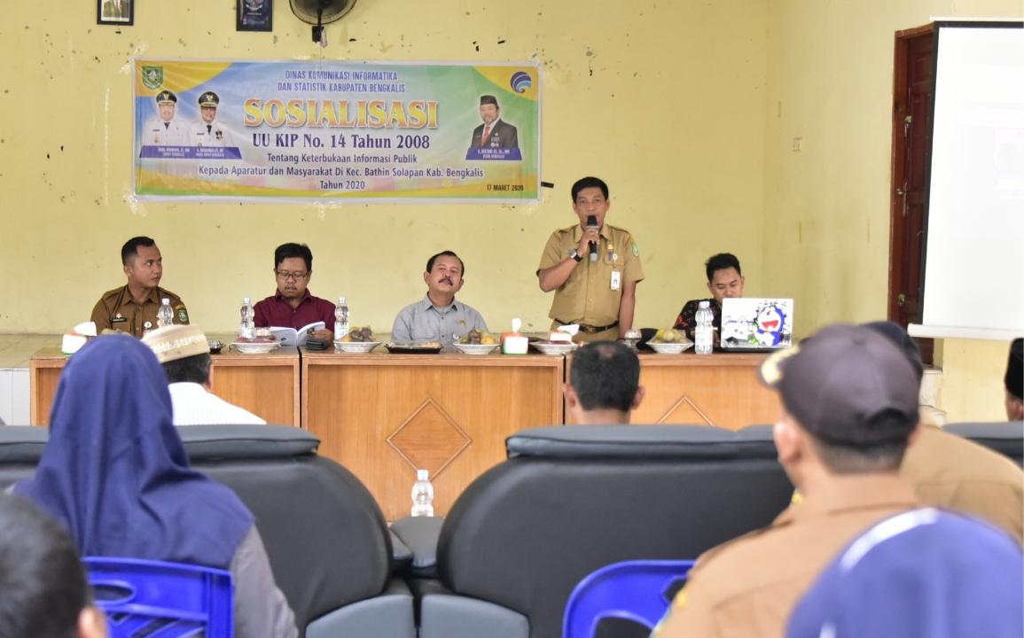 Diskominfotik Sosialisasi UU KIP di Kecamatan Bathin Solapan