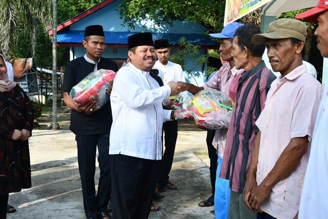300 Paket Sembako Murah di Bagikan di Kecamatan Rupat Utara