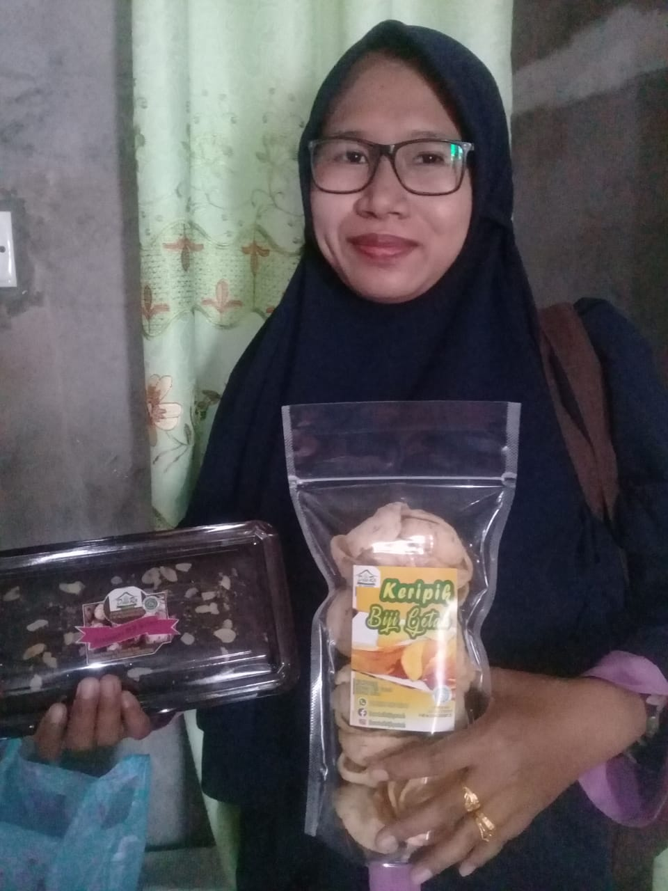 Dewi Melinda dengan produk inovasinya